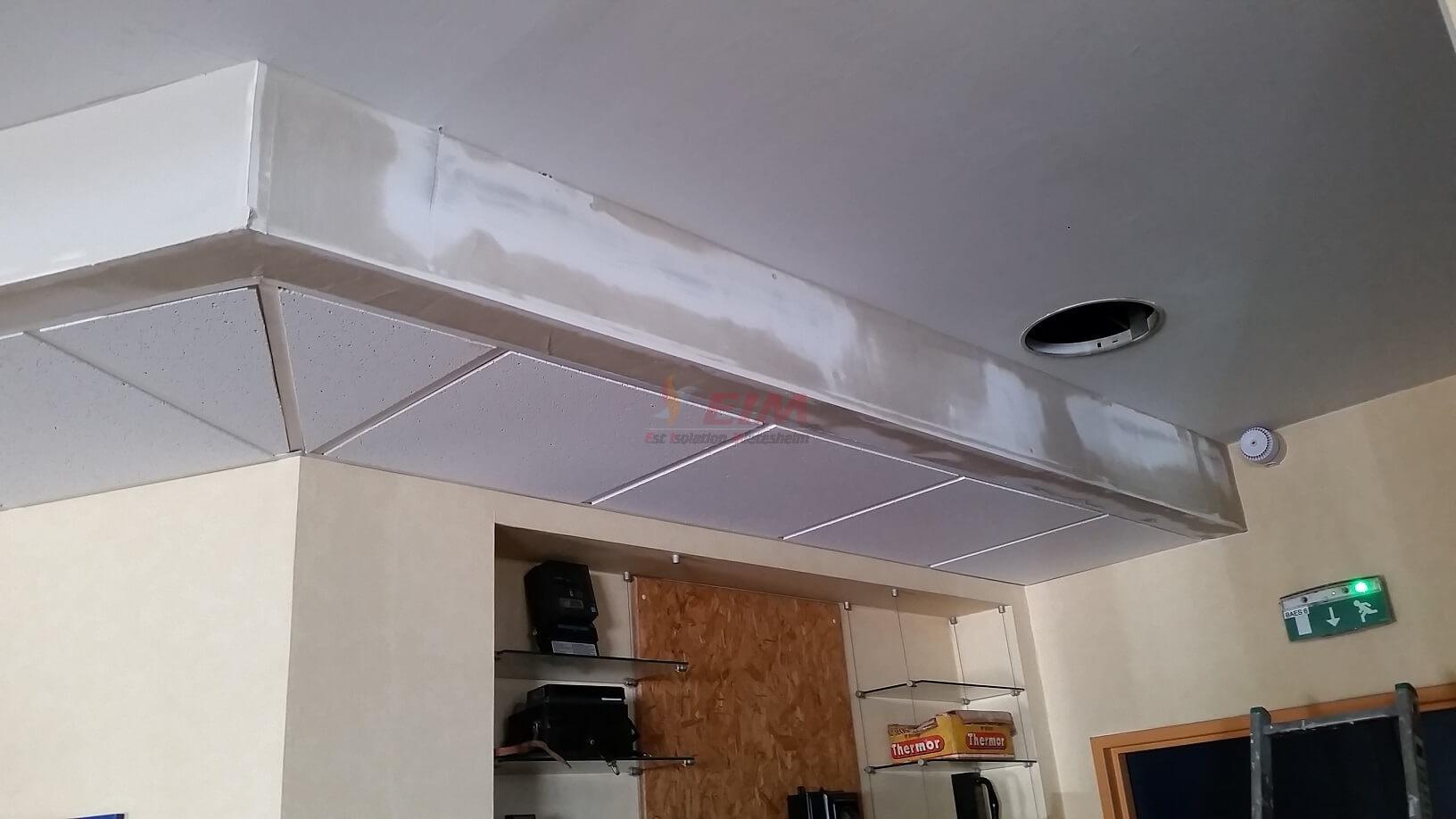 Faux Plafond Suspendu En Dalles Isolantes faux-plafond suspendu en plaque de plâtre - est isolation